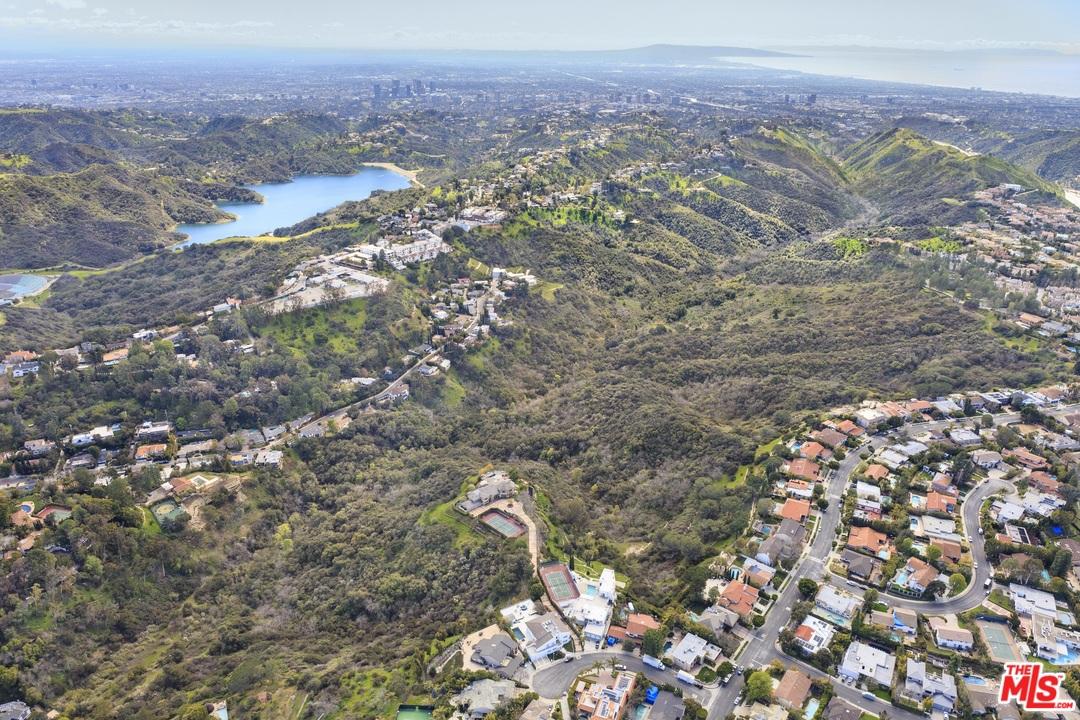 0 Senderos Canyon Los Angeles, CA 90077