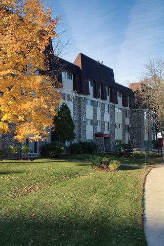 561 Deere Park Circle Bartlett, IL 60103