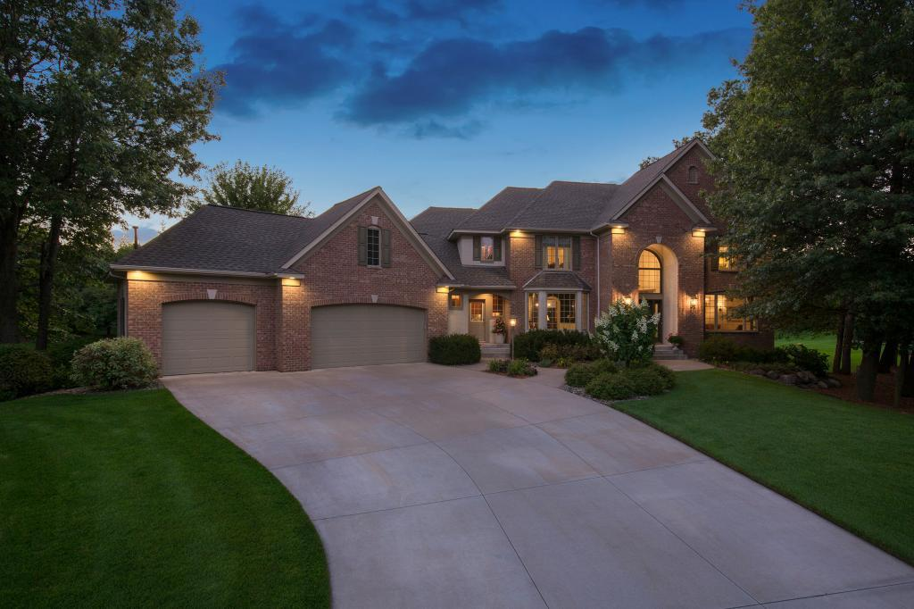 9 Peterson Place North Oaks, MN 55127