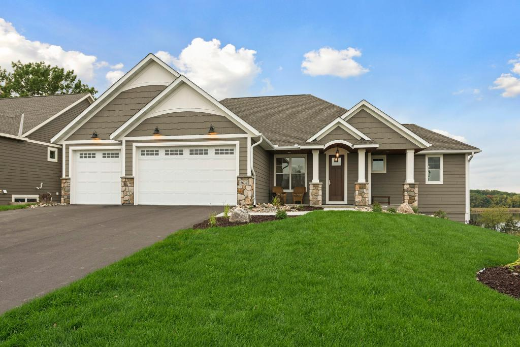 2404 Woods Drive Victoria, MN 55386
