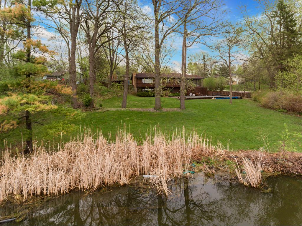 2840 Tanagers Lane Chanhassen, MN 55331