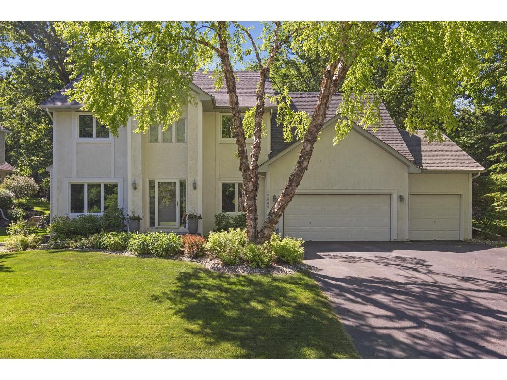 17597 Kettering Trail Lakeville, MN 55044