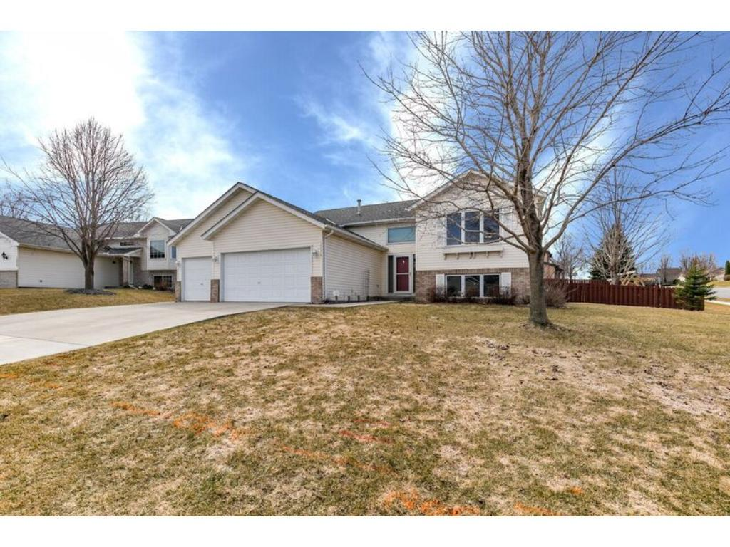 16074 Goodview Court Lakeville, MN 55044