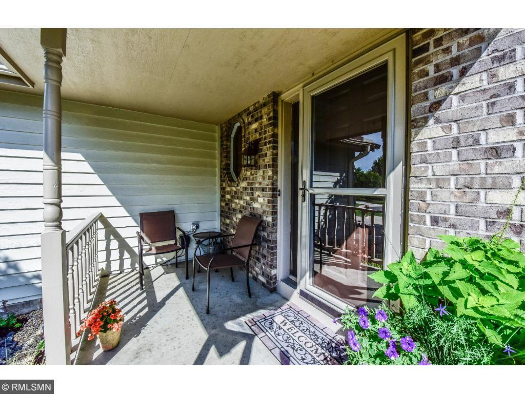 20715 Justice Court Lakeville, MN 55044