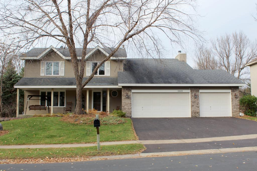 13603 Garrett Avenue Apple Valley, MN 55124