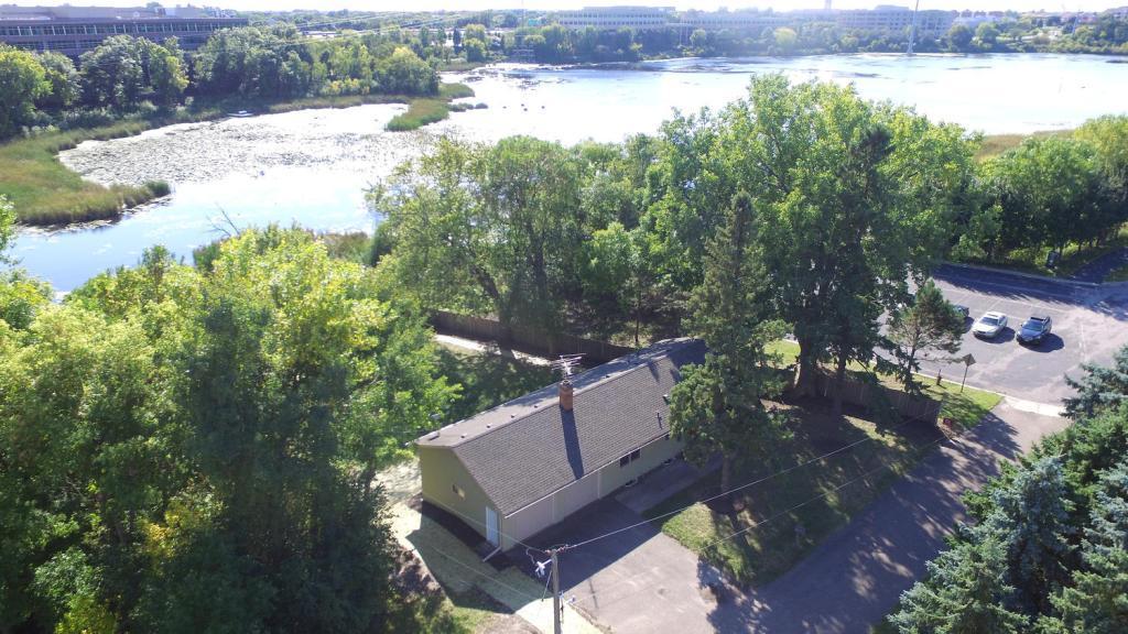 7730 Smetana Lane Eden Prairie, MN 55344
