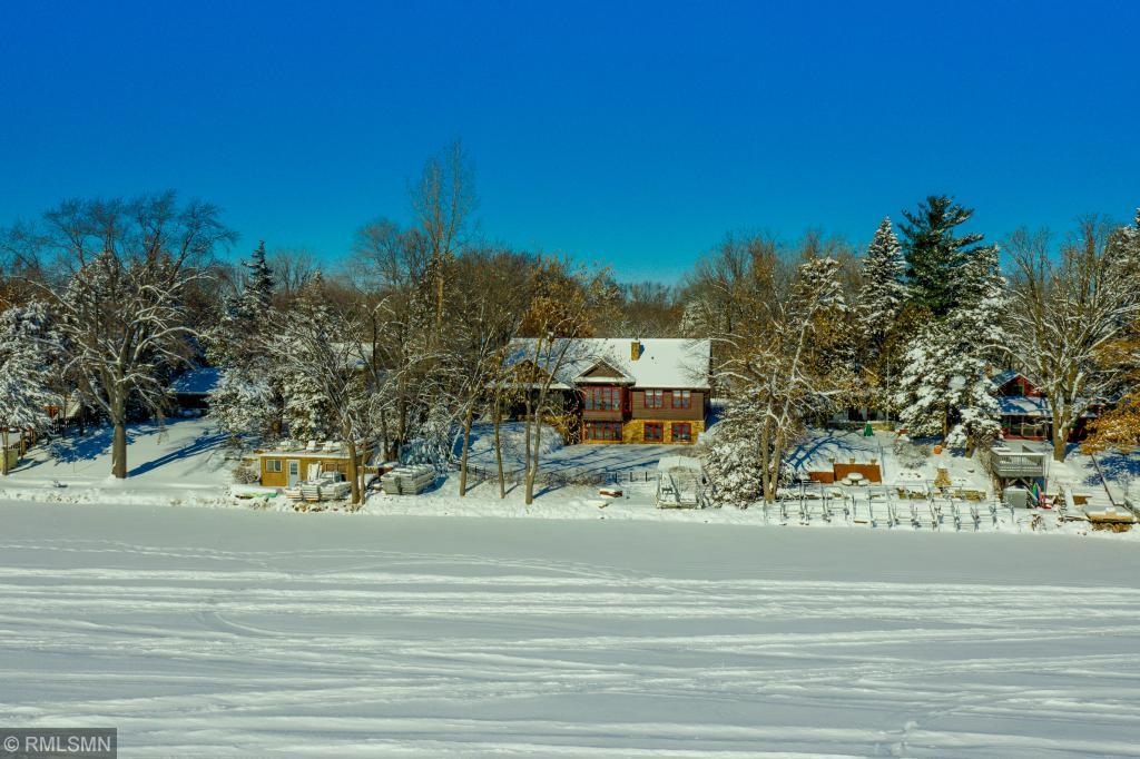 948 County Road I W Shoreview, MN 55126
