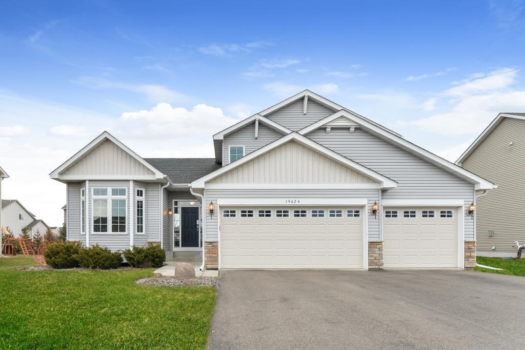 19624 Iberis Avenue Lakeville, MN 55044