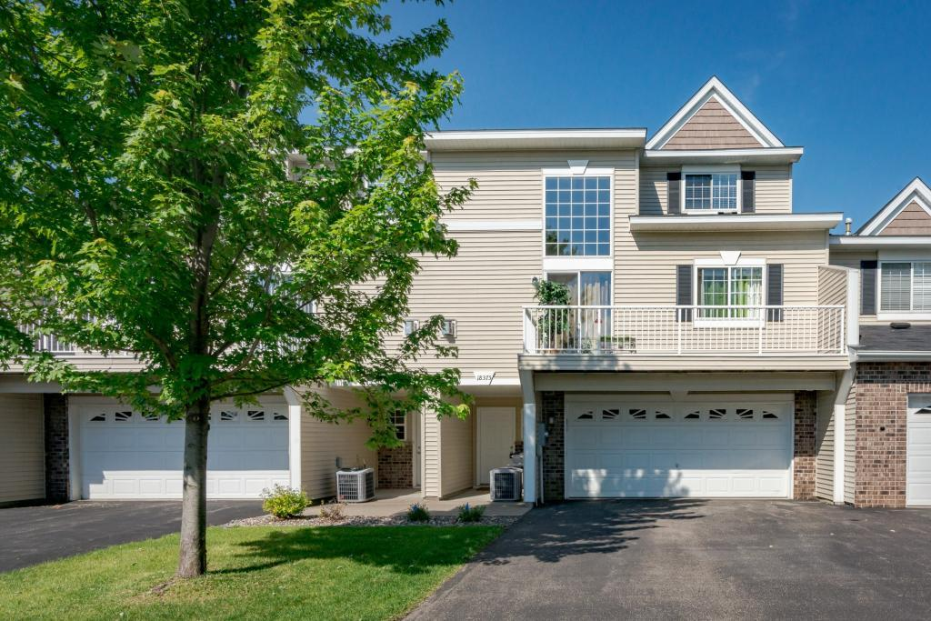 18375 Lafayette Way Lakeville, MN 55044