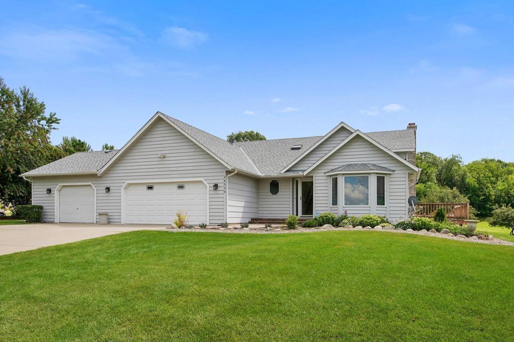 16526 Illinois Avenue Lakeville, MN 55044