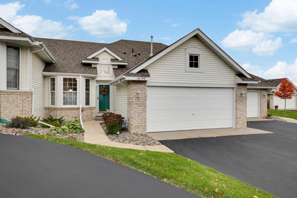 16195 Crystal Hills Drive Lakeville, MN 55044